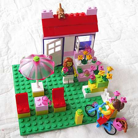 LEGO Pink Suitcase 1